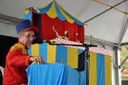 Grupo de Itajaí apresenta a magia do circo com bonecos